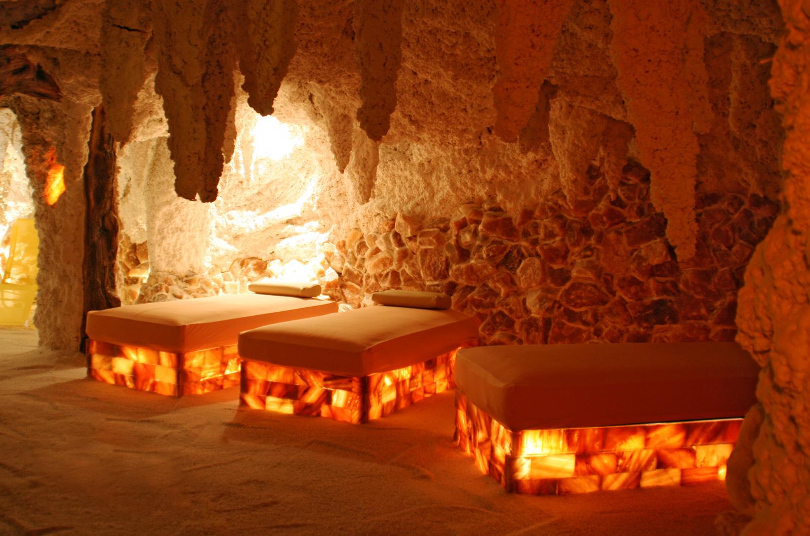 Himalayan Salt Lamp In Kuwait : SPA on Pinterest Mandarin Oriental, Spas and Massage Room